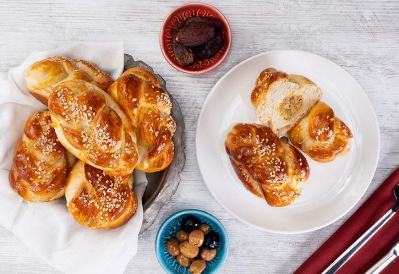 Pâinici împletite cu umplutură de cartofi